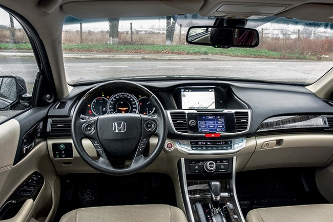 Тест-драйв Honda Accord 3.5